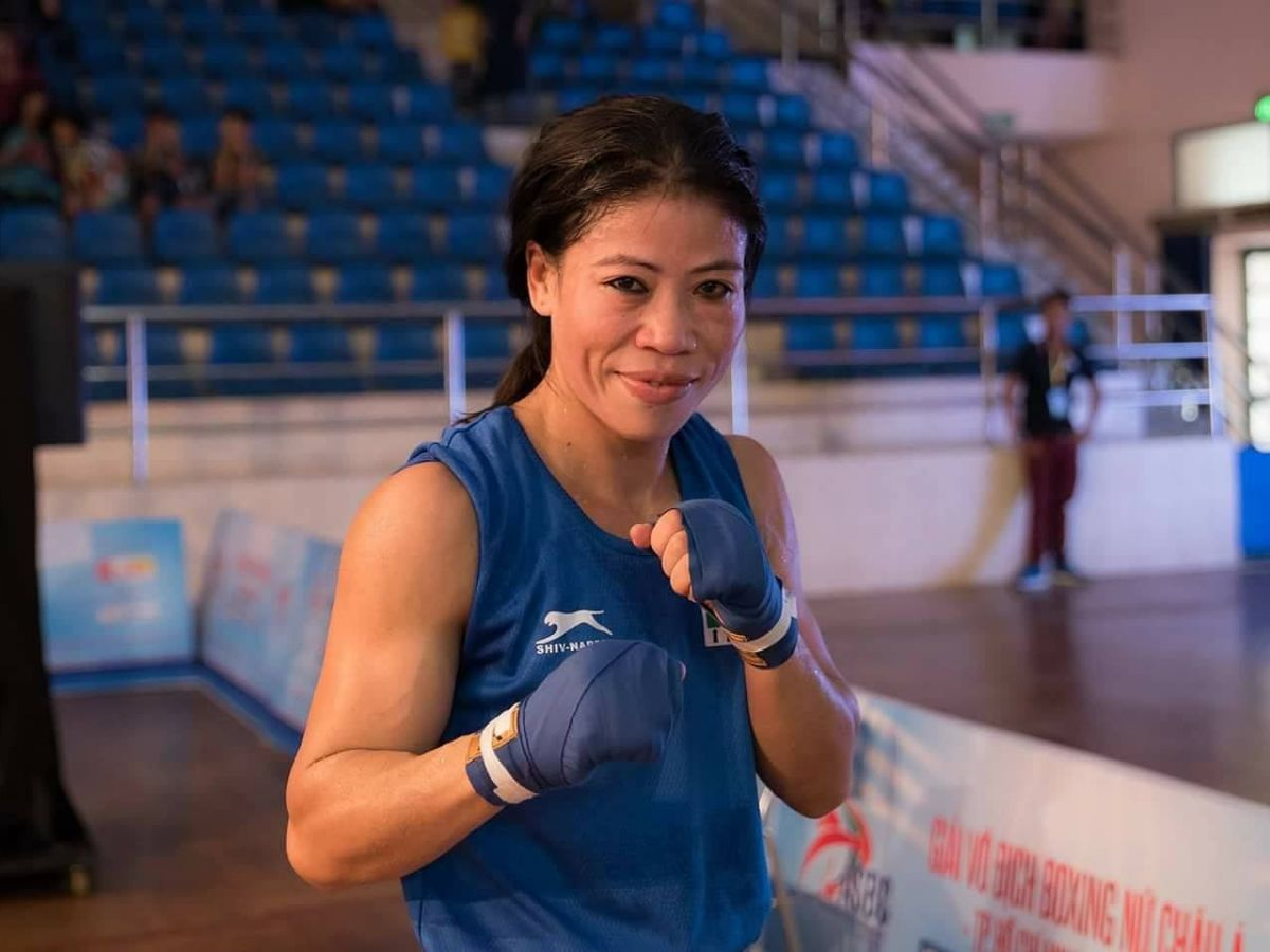 Mary Kom donates to helping hands