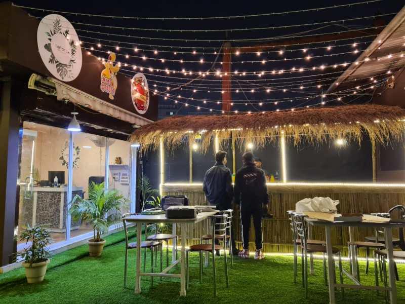 Leaf Deck Café