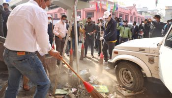 The cleanliness drive was organised by District Administration, Imphal West in collaboration with the MAHUD Department, Government of Manipur