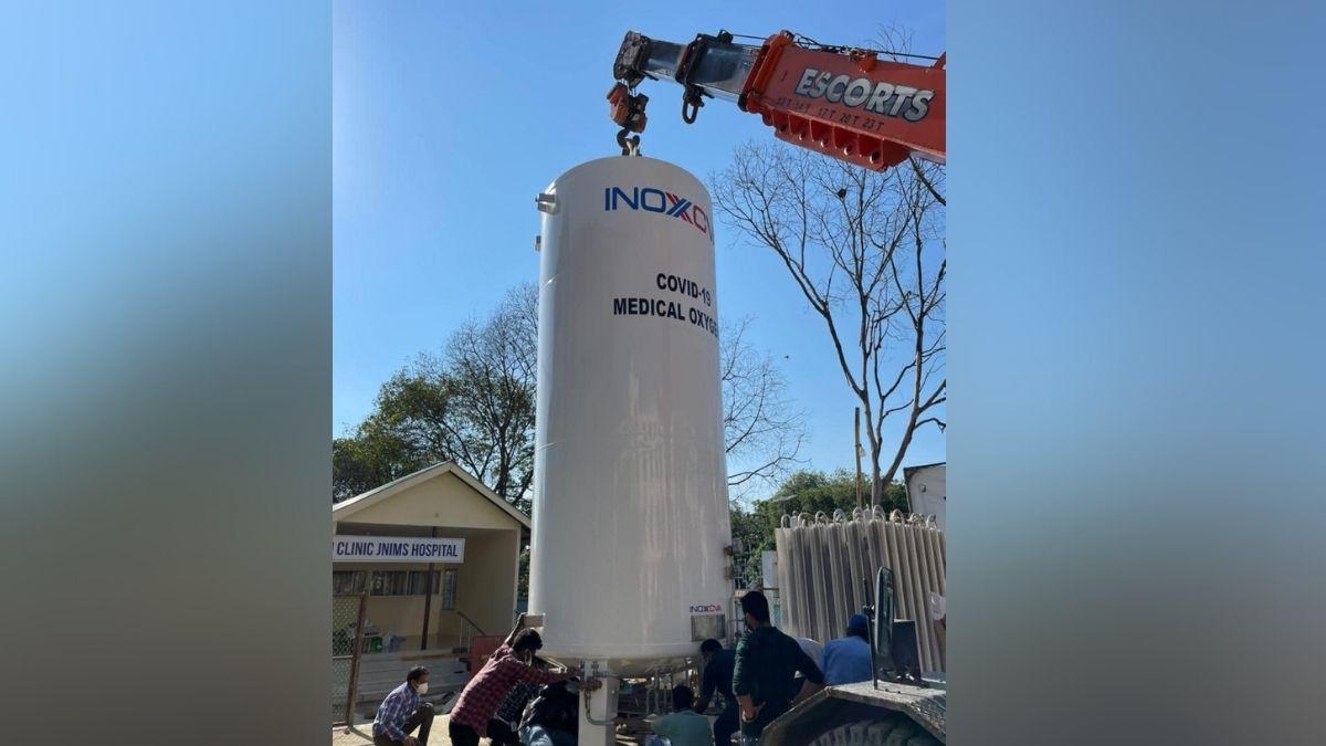 Manipur: Installation of oxygen storage tank underway at JNIMS