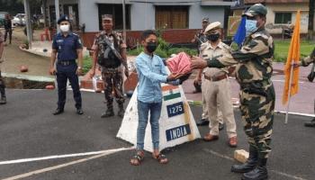 BSF returns Bangladeshi boy who strayed onto Indian soil