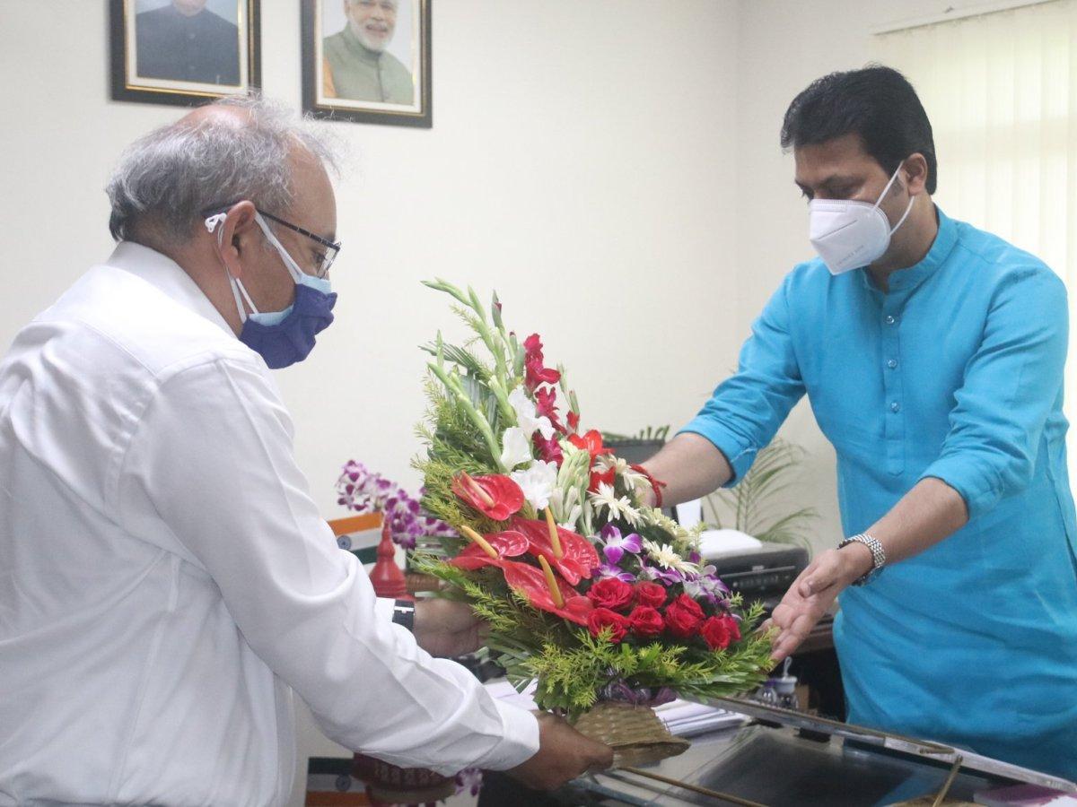 Alok Kumar takes charge as new chief secretary of Tripura