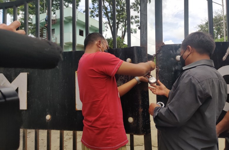 Meghalaya youth body 'locks' Marten landfill site, sends back garbage trucks