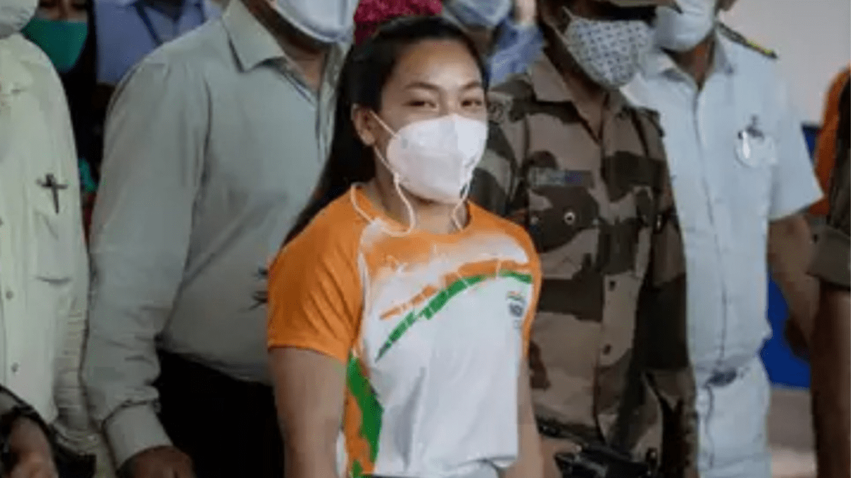 Mirabai Chanu reaches Manipur, receives hero's welcome in Imphal