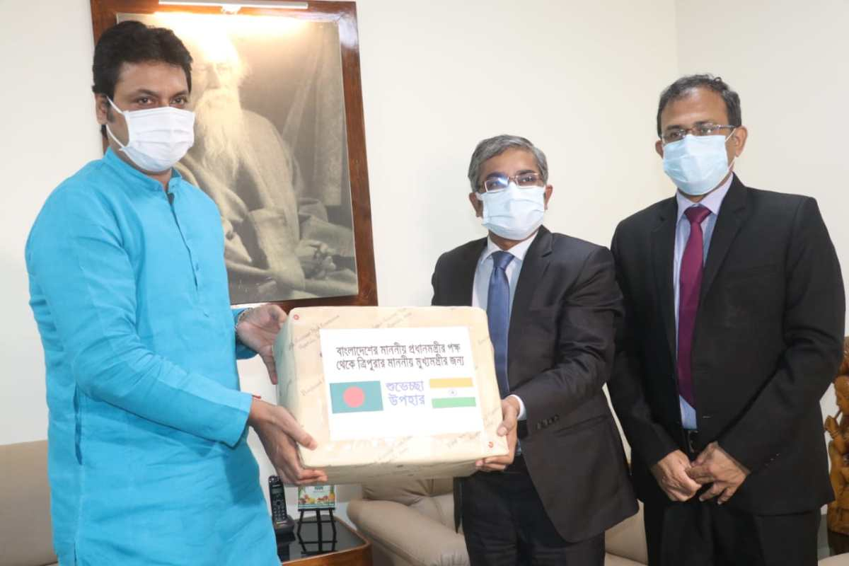 Tripura CM receives mangoes sent by Bangladesh PM Sheikh Hasina as gift