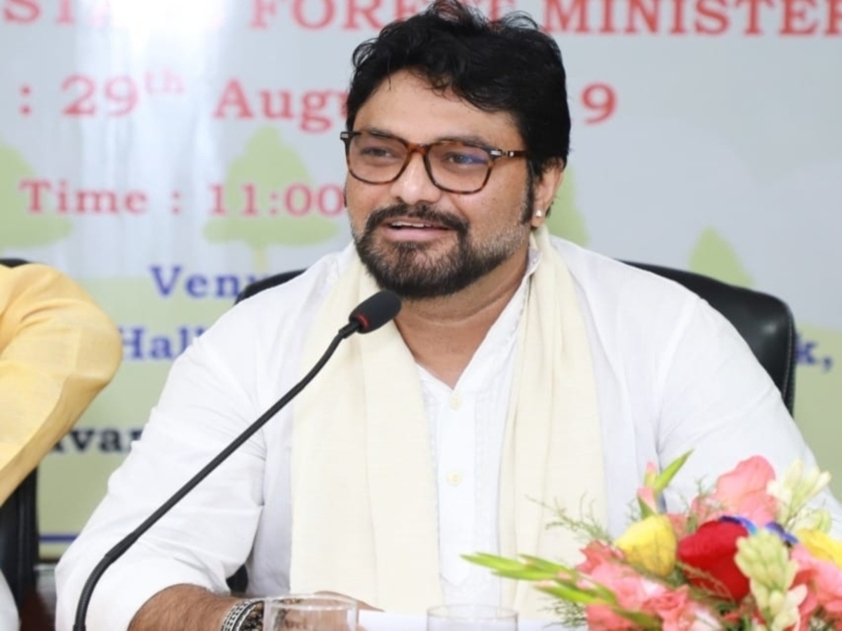 Former Union Minister and BJP leader Babul Supriyo has decided to quit politics