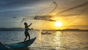 Declare 'fishing holiday' during breeding season: Manipur fishermen's body