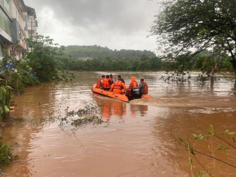 76 dead, 38 injured, 30 missing in floods in Maharashtra