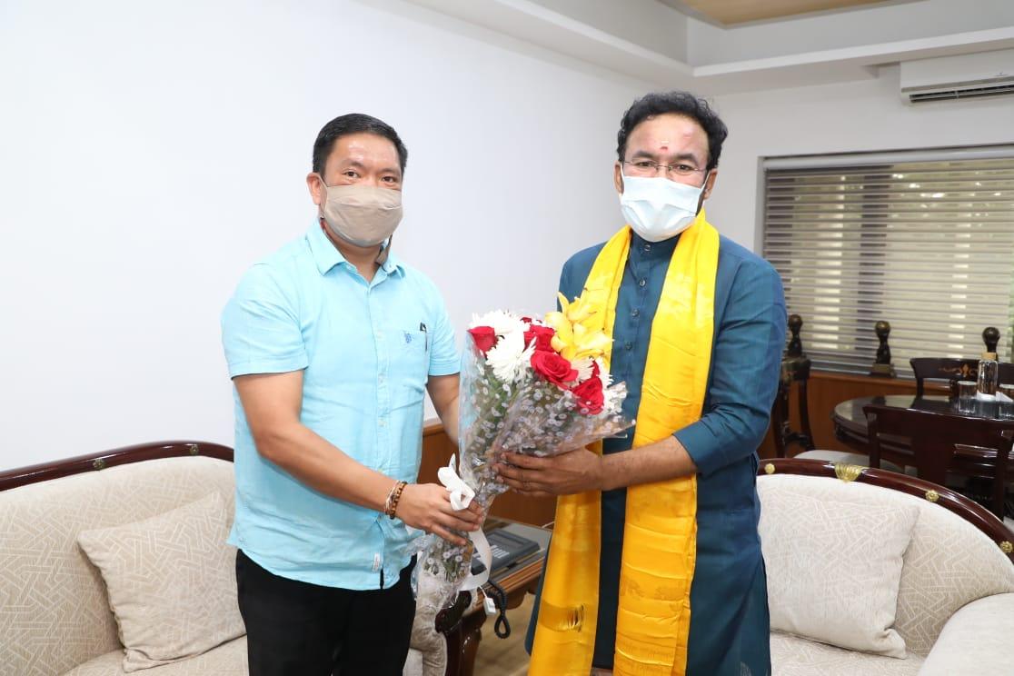 Arunachal Chief Minister seeks NE in national curriculum