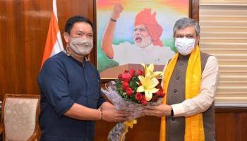 Expedite ongoing railway projects in Arunachal: CM to railway minister