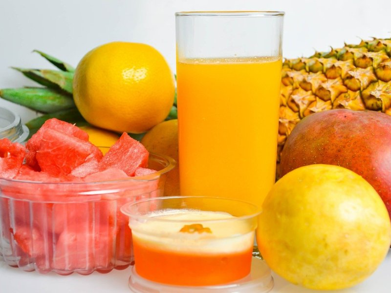 5 summer fruit juices to beat the heat & boost your health