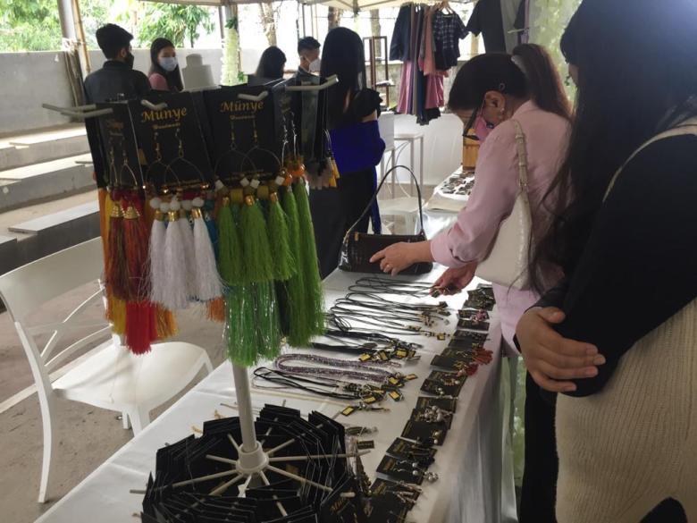 handmade jewellery exhibition