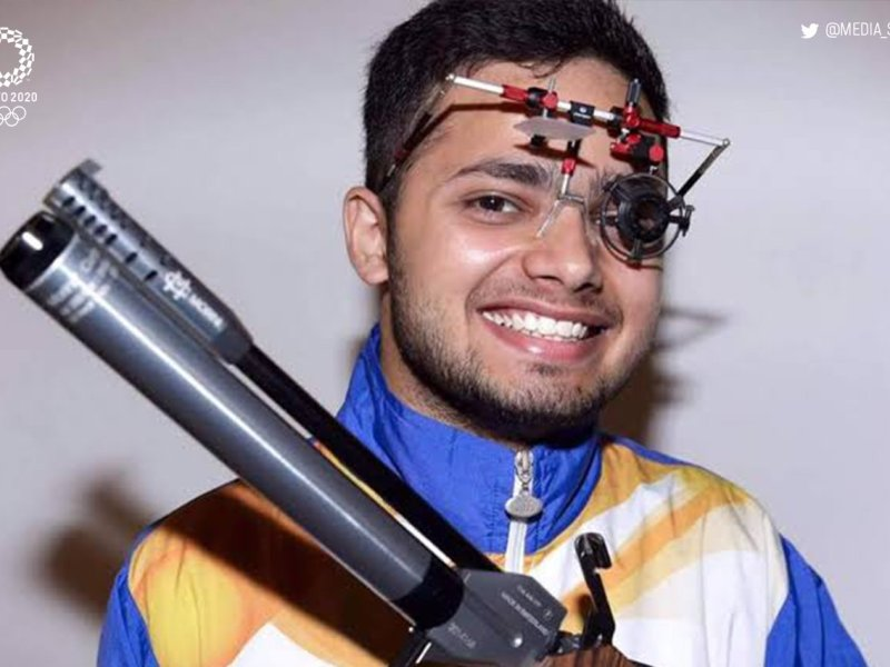 Shooter Narwal, shuttler Bhagat scoop a gold each to take India to 26th spot