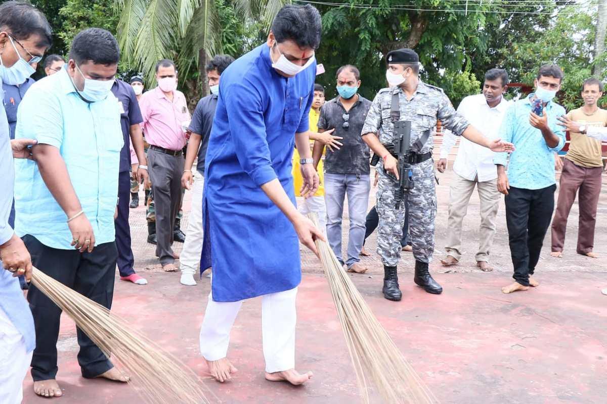 Tripura CM at Tripurasundari temple to pray for Modi's well being