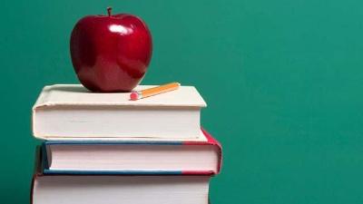 Hot-careers---Apple-on-top-of-school-books-jpg_20160627164218-159532