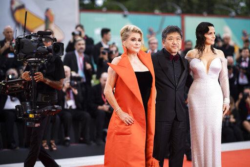 Juliette Binoche, Kore-eda Hirokazu, Catherine Deneuve
