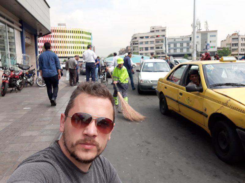 Teheran Enghelab trg