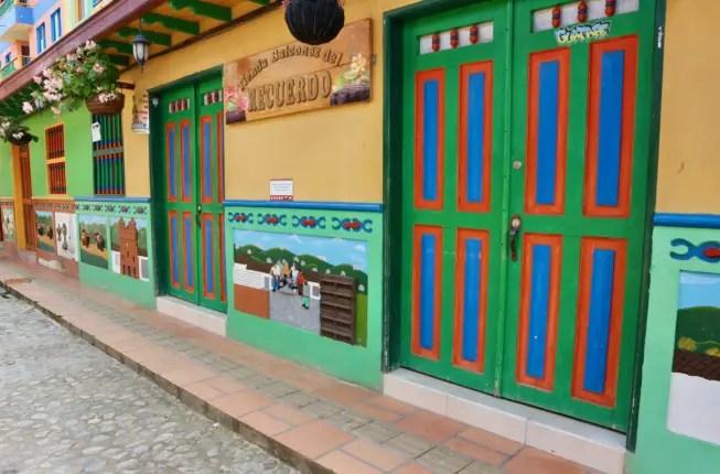 guatape traveling to medellin
