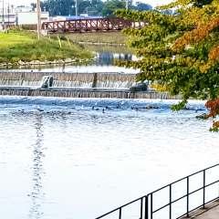 "Thread Lake, Kearsley dam projects progress;  downtown ""rapids"" plan on Flint River hits snag"