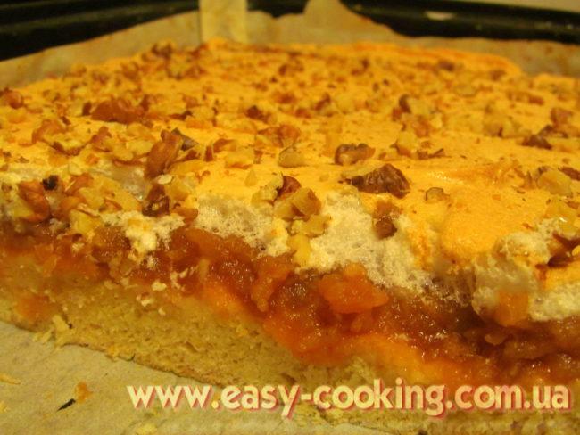 Пиріг з яблучною начинкою та білковою пінкою, пісочне тісто