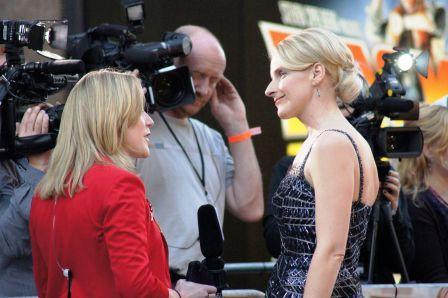 LONDON - September 22: Elizabeth Gilbert At Eat Prey Love Movie  Premiere