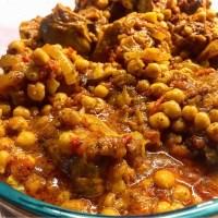 תבשיל גרונות הודו פיקנטי עם חומוס