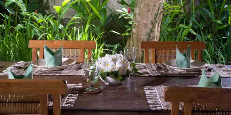 Bali-Bali-Cottage-Table-dining
