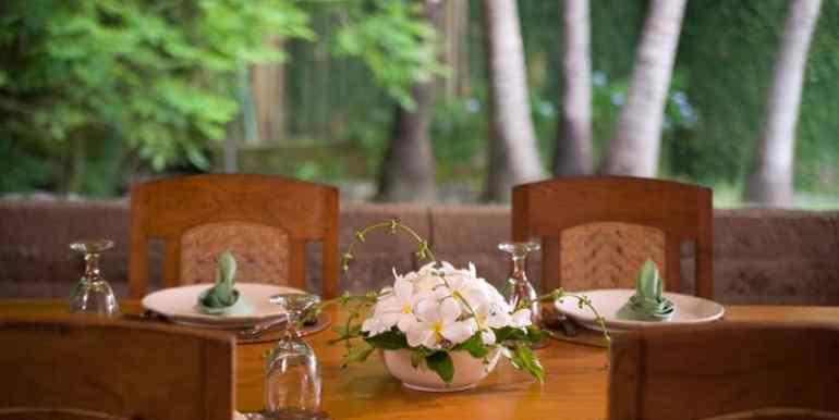 Bali-Bali-One-–-Dining-table