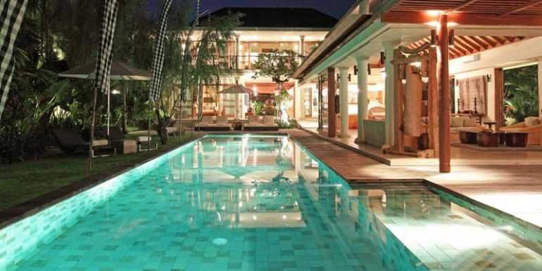 Pool-area-at-night-overview