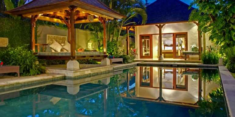 Villa-KE-View-of-master-suite-pool-and-balé