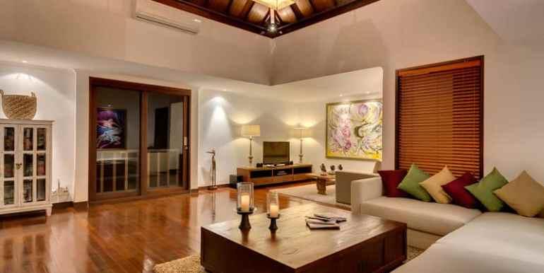Villa-Pe-Living-area-at-night
