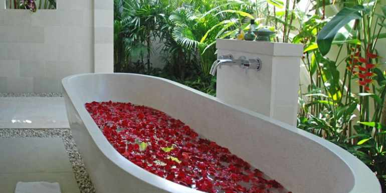 Villa-Sad-Open-air-bath-tub