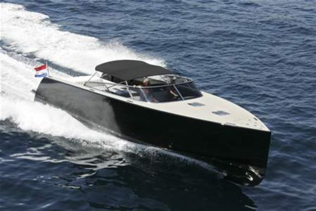BoatImagesVanDutch 40 Black MONACO YACHT CHARTER CANNES