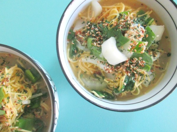 vegetarische noodles soep