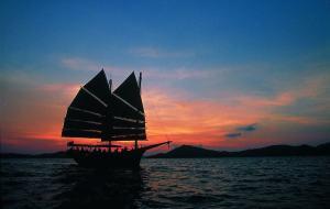 June Bahtra Sunset Cruise Phuket