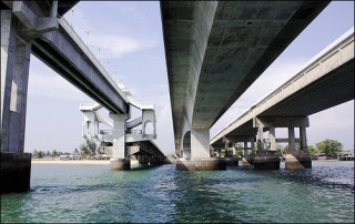Sarasin Bridge - Connecting Phuket with the main land of Thailand