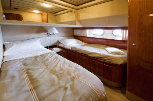 Double-issue Twin Bedroom