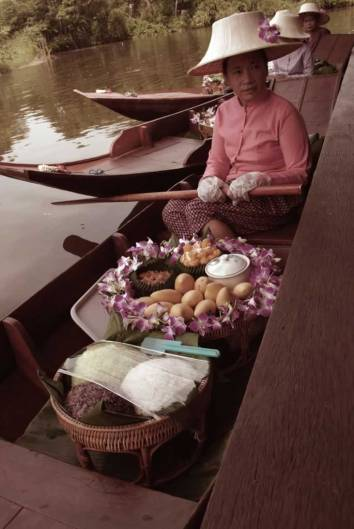 Siam Niramit Thai Village - Floating market