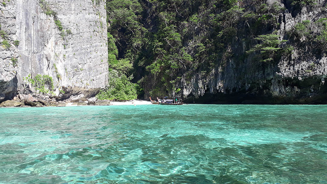 how to get to phi phi island from phuket airport