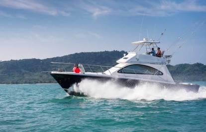 Reel Hooker cruising - Phuket Boat Charters