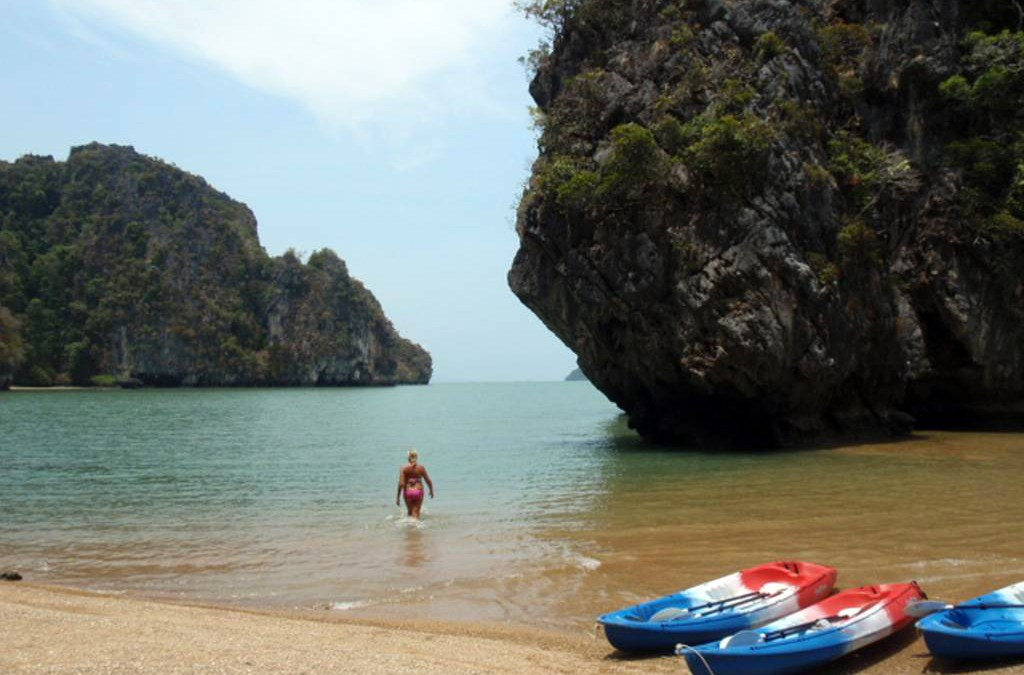 Koh Talabeng and Koh Phee Kayaking Tour