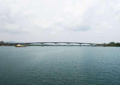 Lanta Bridge from the side