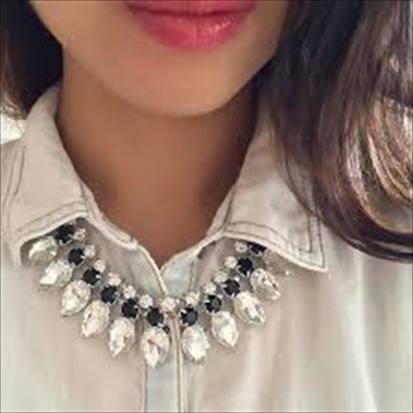 Simple Crystal Flare Necklace Makeover