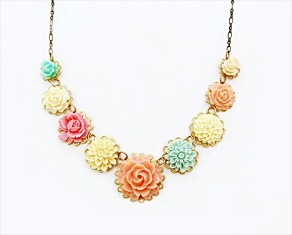 Wonderful flower necklace ideas