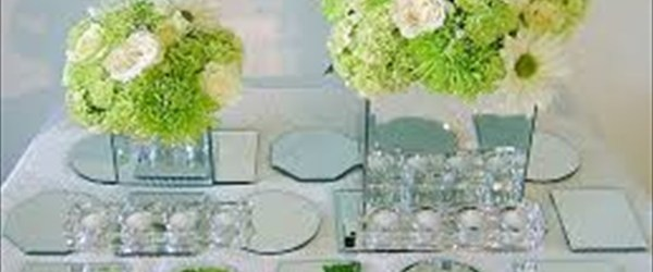 Table mirrored runner decor ideas