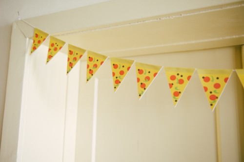 DIY pizza garland makeover