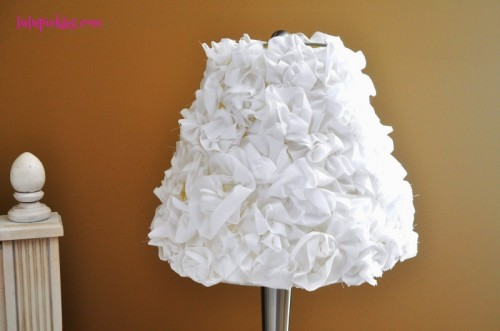 Easy DIY pretty Girlish lampshade