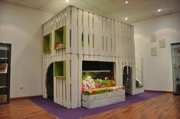 Easy Pallet wood house projects