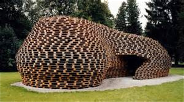 Affordable pallet house designs