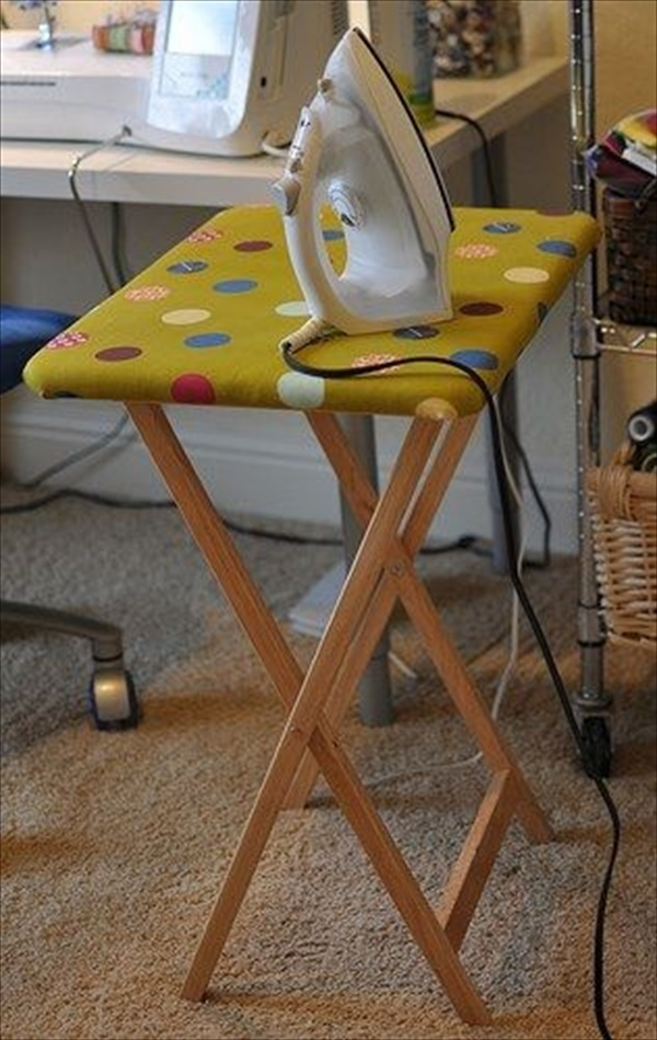 wooden TV tray makeover